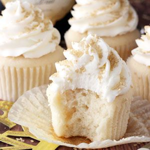 Champagne Cupcakes.     Yummy!