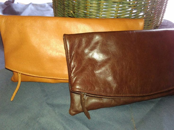 Laris clutch no 3 on goat leather handmade price 500.000 rupiah