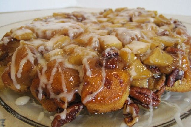 cinnamon apple upside down cake!  yummy!Coffee Cakes, Brown Sugar, Upside Down Cinnamon, Cinnamon Rolls, Coffee Cake Recipes, Cinnamon Apples, Apples Coffee, Apples Cake, Pillsbury Cinnamon