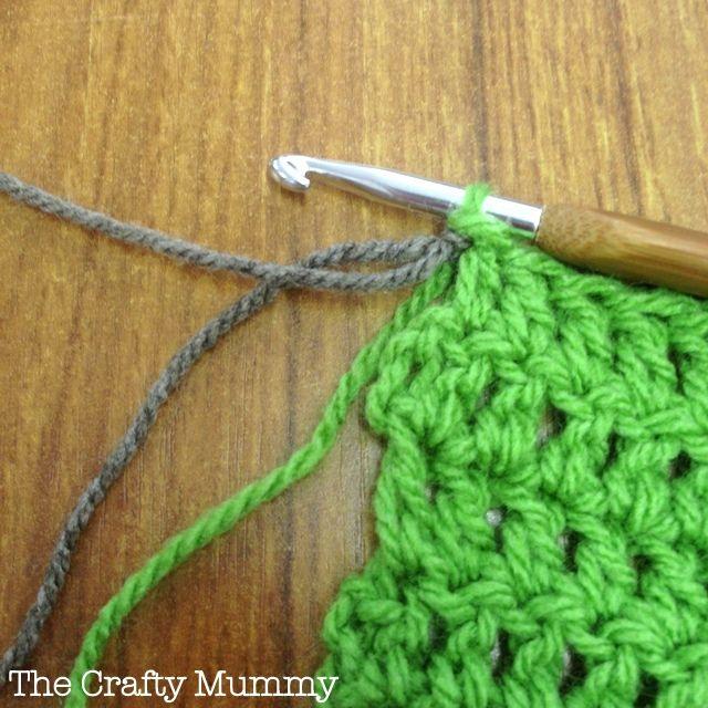 changing yarn crochet ༺✿ƬⱤღ  https://www.pinterest.com/teretegui/✿༻