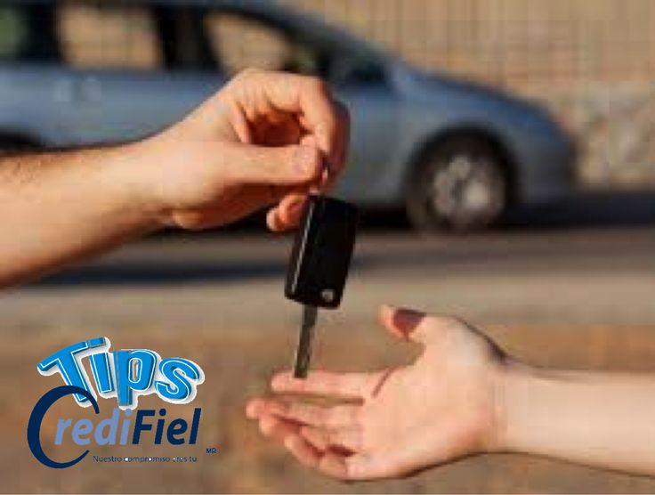 TIPS CREDIFIEL te dice algunos tips si vas a comprar un carro. Nunca preguntes cuánto tienes que pagar de pronto y cuánto es la mensualidad. Esto le deja saber al vendedor cuánto puedes pagar cuando la dinámica debe ser a la inversa, tú debes saber cuánto vale el auto y qué te ofrecen. .http://www.tipscredifiel.com/