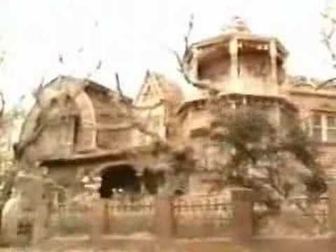 """1313 Mockingbird Lane - Home of """"The Munsters"""" (footage from """"The Munsters Today"""")"""