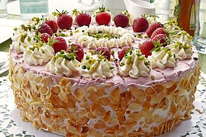 Erdbeer-Sahne-Torte, ein leckeres Rezept aus der Kategorie Frucht. Bewertungen: 3. Durchschnitt: Ø 4,0.
