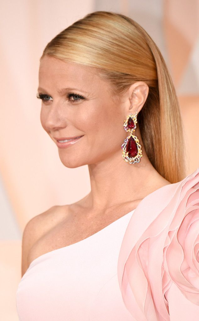 Gwyneth Paltrow from Best Beauty Looks at the 2015 Oscars  Not that it's a bad thing, but this totally reminds us of the actress' 2012 Oscar hairstyle.