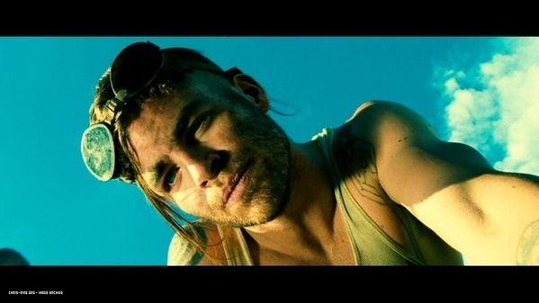 I have NO idea why, but I still thought Chris Pine was hot in Smokin Aces.