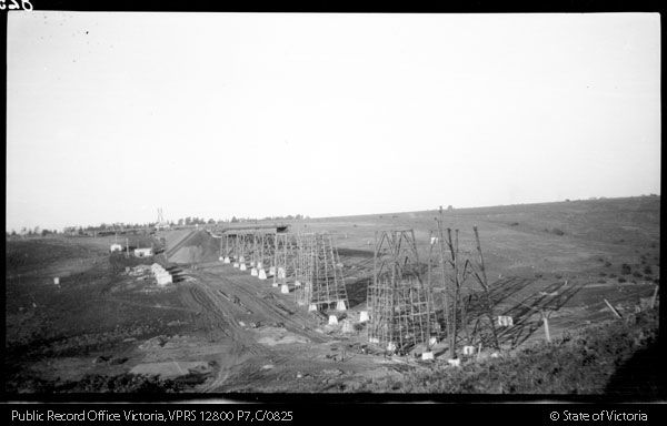 Moonee Ponds Creek viaduct construction
