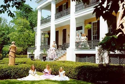 "Cedar Grove Mansion-Inn: Voted  ""Best Antebellum Home"" in Vicksburg, Mississippi, Cedar Grove Inn offers a memorable romantic getaway."