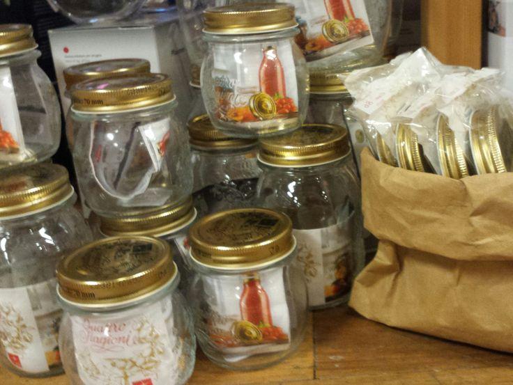 De Bormioli Rocco inmaakpotten zijn verkrijgbaar in verschillende maten. Sluit na een aantal jaar het deksel niet meer vacuum af? Geen nood: de deksels zijn los te koop, voor jarenlang inmaakplezier!