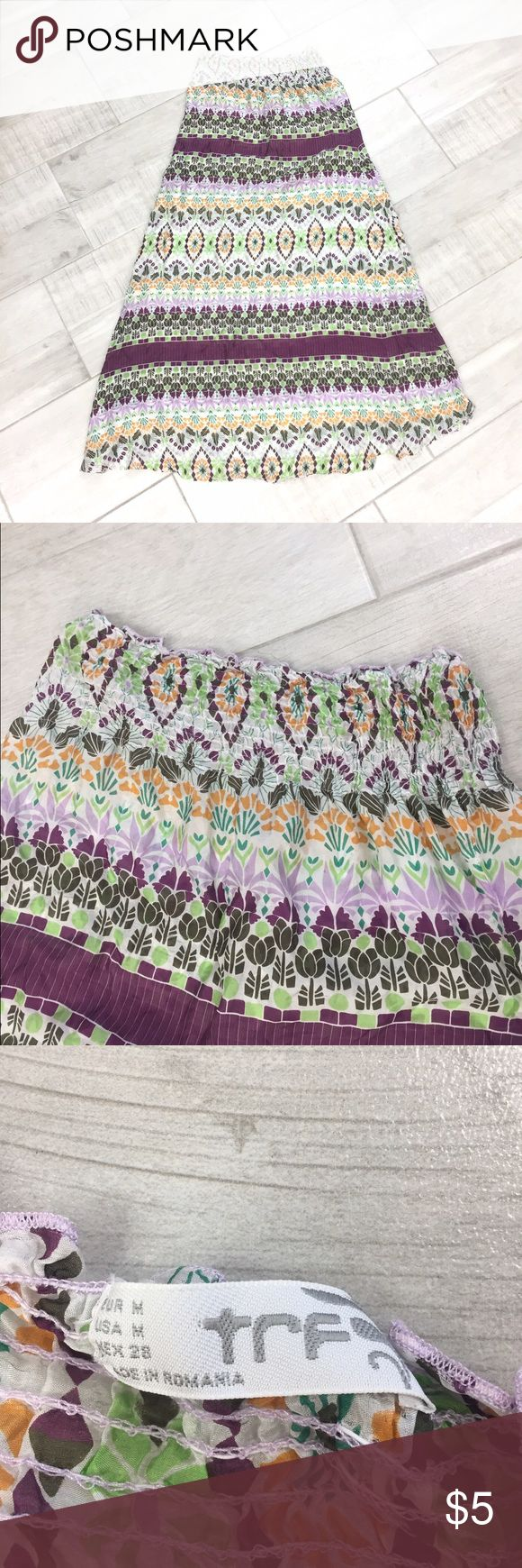 """Multicolor print sundress 👗 Fabulous dress. Only worn once. Great to wear on the beach, by the pool, on the lake, etc. a bit see through and has a small rip on the bottom. Full length: 46"""" long. The top part is made with stretchy material. Although it is a size small, it fits more like a size large. Dresses"""