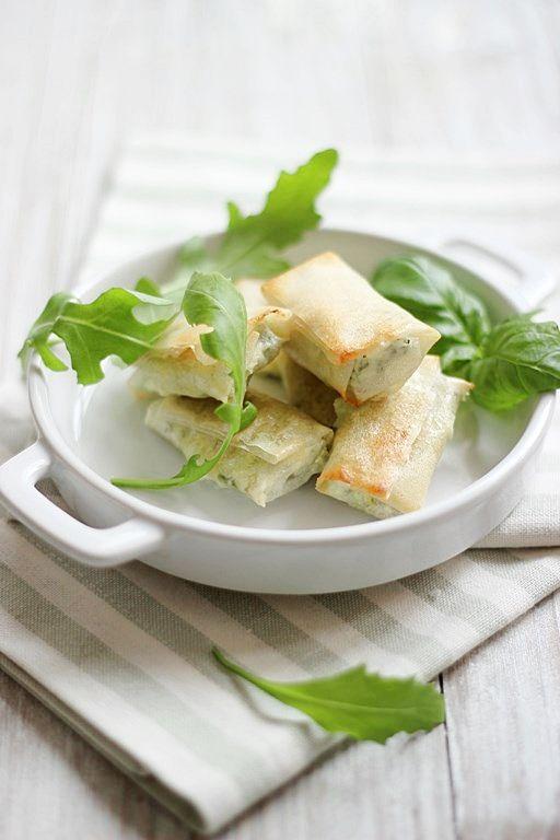 MIEL & RICOTTA: Sigari con rucola (con pasta brick homemade)