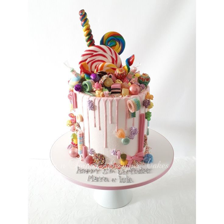 Drip cake with lollies.   Drip cakes, Candy birthday cakes ...