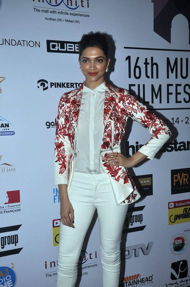 Deepika Padukone in Varun Bahl design on Day 2 of the 16th Mumbai Film Festival. #Bollywood #Fashion #Style #Beauty