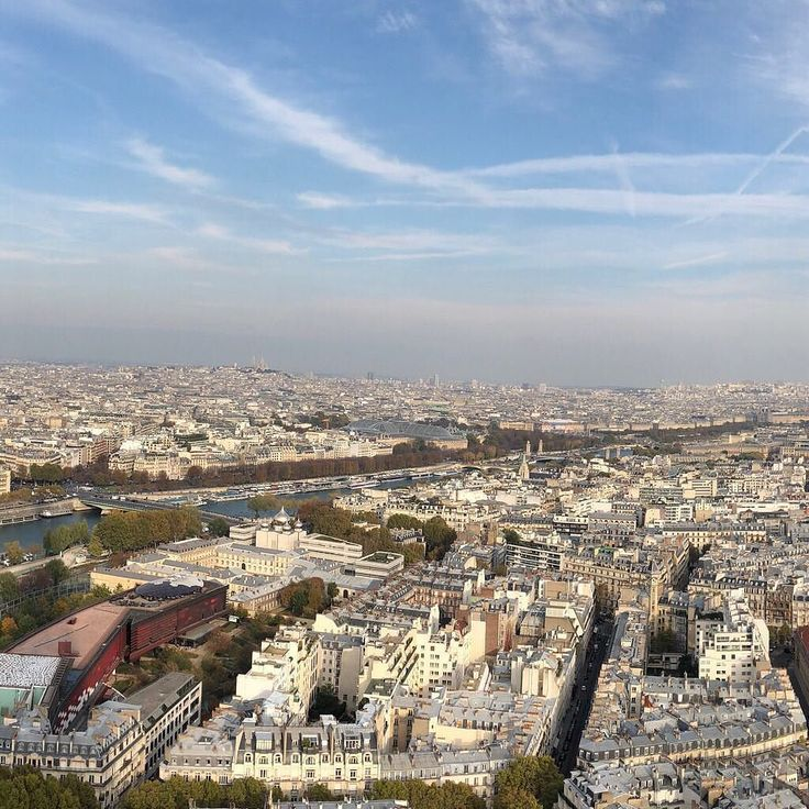Paris from Eiffel Tower [2/3]  #travel #traveling #vacation #visiting #instatravel #instago #instagood #trip #holiday #photooftheday #fun #travelling #tourism #tourist #instapassport #instatraveling #mytravelgram #travelgram #travelingram #igtravel #paris #louvre #eiffeltower  #ourplanetdaily #panorama #madewithpanols  split by @panols / #panols by @juanarreguin