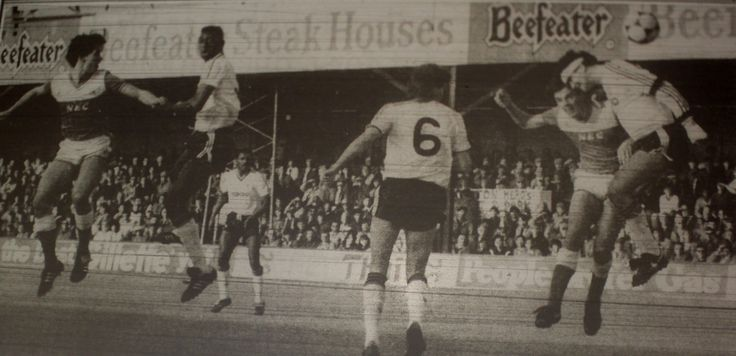 8 March 1986 Graeme Sharp scores Everton's first in the FA Cup tie at Luton