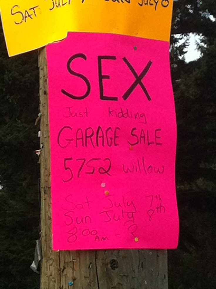 garage sale signs how to make them and whats the best color