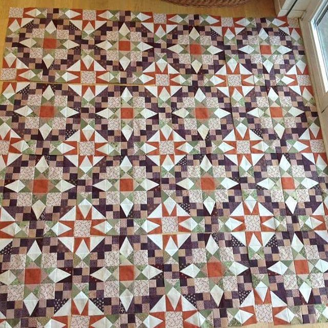 """This En Provence Love is Caroline's """"Automne en Provence"""" and I love it!  Her color changes are perfect! As the days roll on more and more finished tops are popping up! . . #quilt #quilting #patchwork #quiltville #bonniekhunter #quiltvillemystery #enprovencequilt #mysteryquilt #quiltsbyyou"""