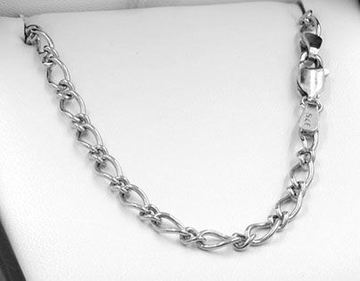 "Check out new work on my @Behance portfolio: ""Sterling Silver Oval Figaro Chain OF81-750"" http://be.net/gallery/49084935/Sterling-Silver-Oval-Figaro-Chain-OF81-750"