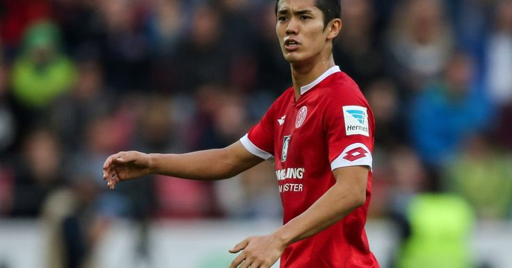 Manchester United transfer news: £10m Yoshinori Muto bid, £40m...: Manchester United transfer news: £10m Yoshinori Muto bid,… #LOUISVANGAAL