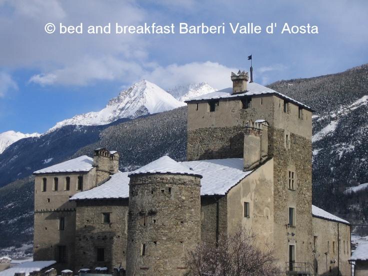 Castello Sarriod de la Tour Saint-Pierre #italian #alps #aostavalley #nationalparkgranparadiso #granparadiso #nationalpark #travel #holiday #castles