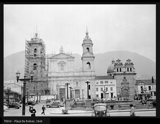 Plaza de Bolívar. 1940.