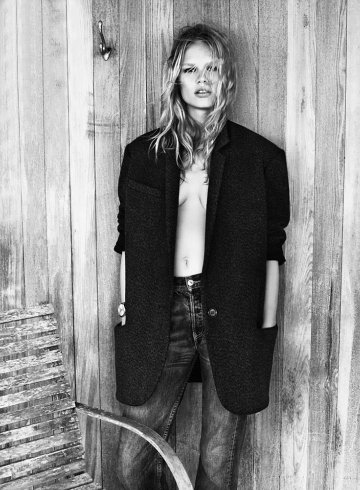 Anna Ewers by Josh Olins (styled by Geraldine Saglio) for French Vogue.