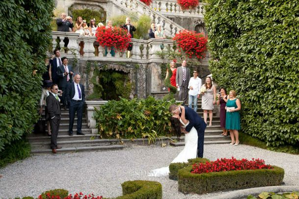 35_Villa_Carlotta_wedding_kiss