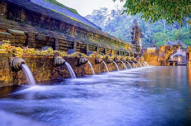 Located only 2.5 hours from The Camakila Legian Bali within the Tampaksiring district, the Tirta Empul Temple is renowned for being the home to a glorified holy spring. Get the opportunity to witness and experience this sacred place firsthand.   www.camakilabali.com #camakila #thecamakila #camakilabali #legian #bali Picture by: @pandhe_wisnu