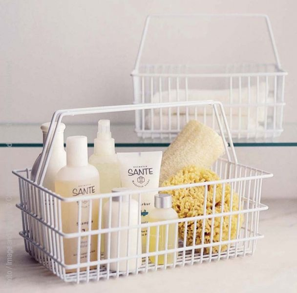 The original dorm shower caddy (if you don't count the plastic bucket), an all purpose tote.#storage #organization #wire