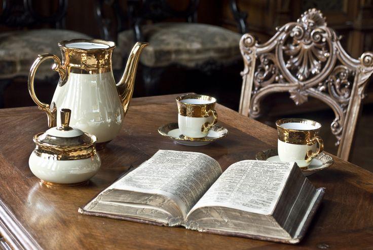 Čaj o štvrtej v múzeu #bojnicecastle #bojnice #museum #muzeum #slovensko #slovakia #history #castle #teatime #books #tea #vintage