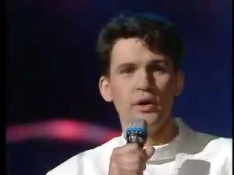 Johnny Logan Hold Me Now (Sing-along Lyrics) [Ireland Eurovision 1987 Winner]