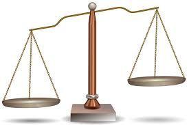 BALANCE:Examen periódico de las cuentas de una empresa, comparando sus ingresos y gastos para establecer el nivel de beneficios o pérdidas.