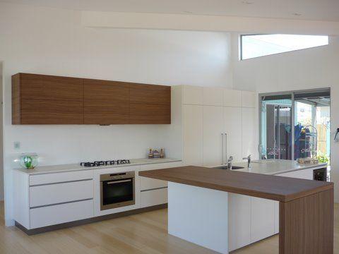 NAVLAM Sandblasted™ Bunya - kitchen cabinets - Joiner: Steves Joinery