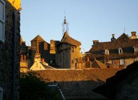 Classé parmi les « Plus Beaux Villages de France », Salers est situé à 950 m d'altitude au cœur du Parc naturel régional des Volcans d'Auvergne.    Tourisme en Auvergne. Découvrez Salers dans le Cantal : http://www.auvergne.fr/article/salers