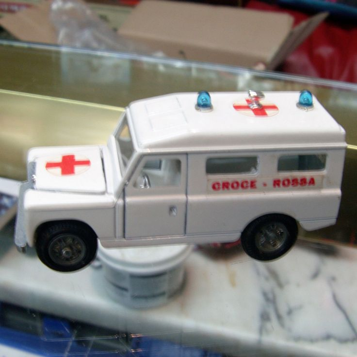ITEM Mebetoys vintage diecast Land Rover 109 Ambulance DESCRIPTION MINT but unboxed SIZE 1 43 scale SHIPPING WEIGHT 200 GRMS POSTAGE RATES based on