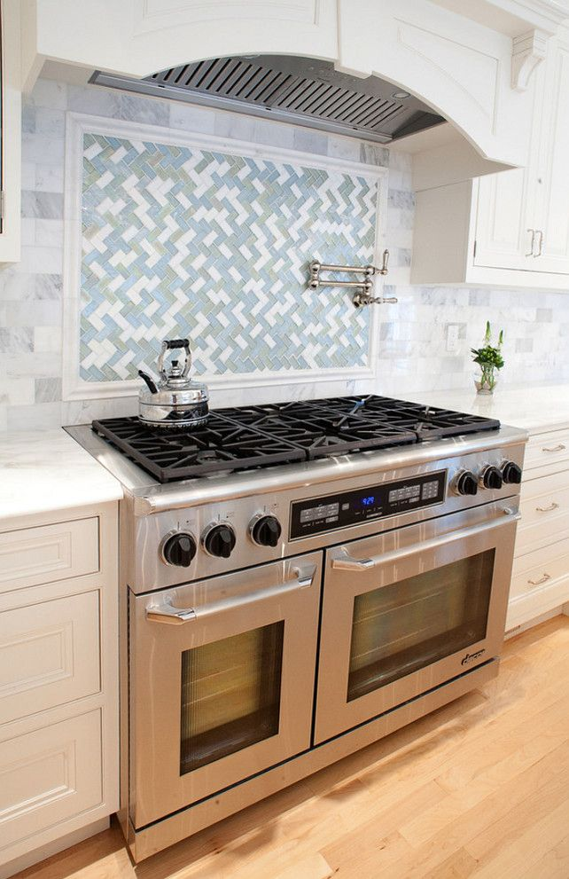 Range backsplash design ideas backsplashdesign for Stove kitchen design