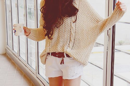 love the big comfy sweaters. spring break outfit? perfecto