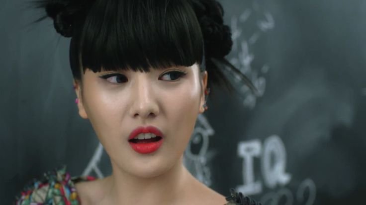 "MV ""Prince and Princess Charming"": Name: Seungah Lee Member of: Sunny Hill Birthdate: 29.03.1987"