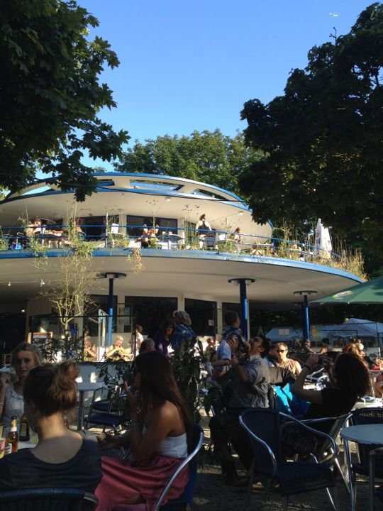 't Blauwe Theehuis - Great spot when it's sunny.