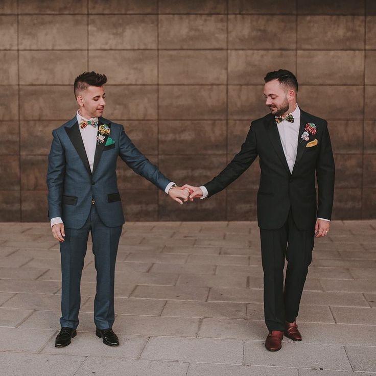 Nada más sencillo y grande que el amor  Hoy en @retalesdebodas la boda de Adri y Kike con @quesebesen
