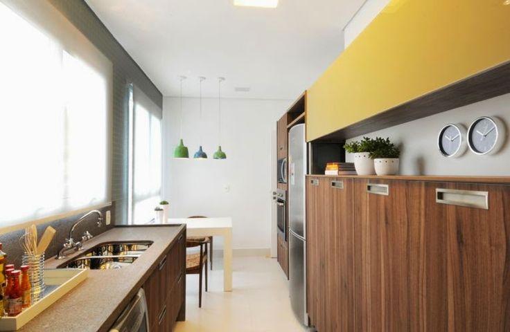 Cozinha corredor – veja lindos modelos para apartamentos   dicas de decoração! Veja muito mais fotos, dicas e informações técnicas dessa cozinha corredor em Decor Salteado! É só clicar na imagem! ; - )