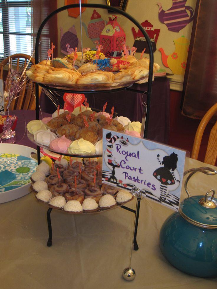 Azar Alice in Wonderland Mad Hatter Tea