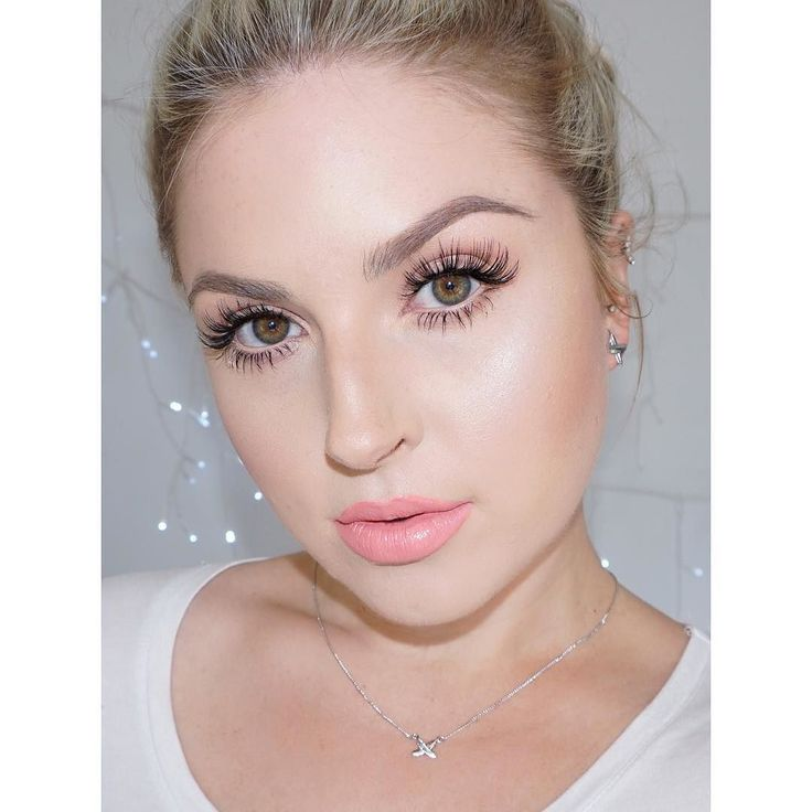 To answer the most common question on my last post (lol thanks for the compliments  ily) the lashes I am wearing are @xobeautyshop the chic  they're NEW!  very long and wispy  xobeautyshop.com  #shaaanxo #xobeauty