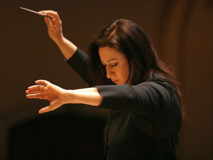 Australian conductor Simone Young, the outgoing artistic director of the Hamburg State Opera.