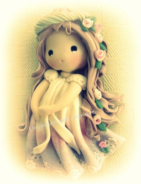 Un posto per sognare...bambole, fate e folletti: bambolina porcellana fria.