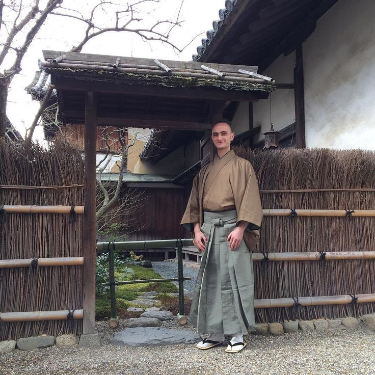 At Gangoji in Nara ready for a day of several succeeding tea services as part of the Shuko grand tea gathering. Today we aim to serve and entertain 300 visitors.  #teaceremony #nara #tea #matcha