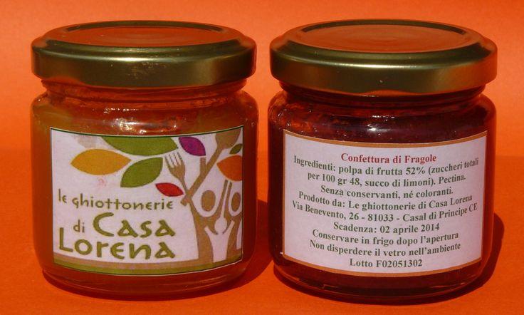 Confettura di Fragola Tecla Ingredienti Polpa di fragola 49%, zucchero 40%, succo di limone, pectina. Senza coloranti nè conservanti. http://www.cooperativaeva.com/e-shop/confetture/#cc-m-product-7463462484