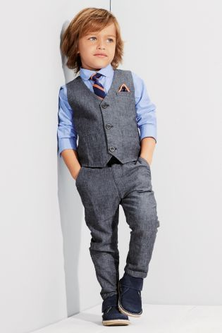 The little man is guaranteed to put his dad to shame in this gorgeous Heritage Waistcoat Shirt And Tie Set from Next - perfect for the party season!