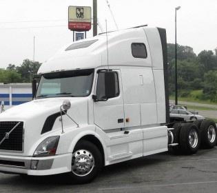 2006 #Volvo Vnl64t670 Heavy Duty #Trucks_For_Sale