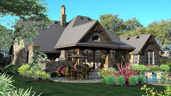 Inspiring #Craftsman European Tuscan #House with pool and lovely landscape. Check more at www.oklahomahomes.com