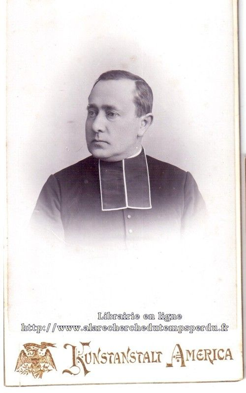 American Priest, late 1880s N°8. American Priest unknown, late 1880s. Photograph : Kunstanstalt America. Prêtre américain, fin 1880. Photographe : Kunstanstalt America. Is he your ancestor ?